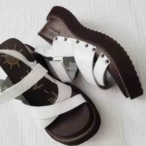 AYE - AYE, White wooden platform sandals